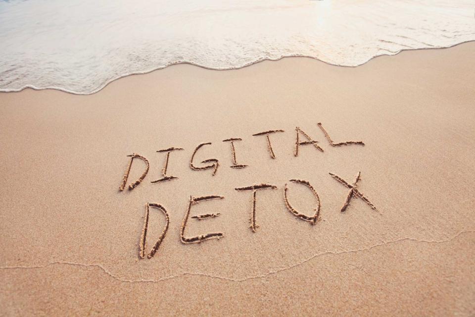 digital-detox (1).jpg